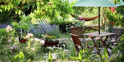 Waar moet je op letten bij het kopen van tuinmeubelen?